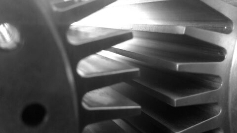 4th-axis CNC machined cooling fins in nickel - Parametric Manufacturing